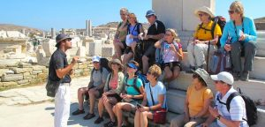 7 Factors to consider inside a Tour Guide